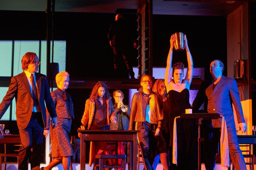 """Ensemble aus """"Schiff der Träume"""", Regie: Karin Beier; (c) Matthias Horn"""